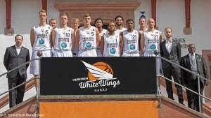 DE - ProA - Teamfoto - HEBEISEN WHITE WINGS Hanau 2017-2018