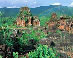 Buddhism in most scenic Vietnam