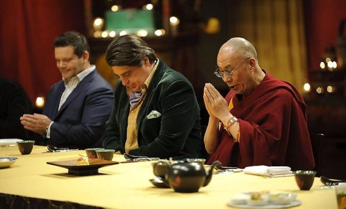 514170-the-dalai-lama-on-masterchef-2011