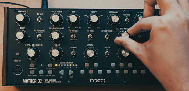 Moog Mother 32 Sequencer Tutorial - Chaka Khan - Ain't Nobody