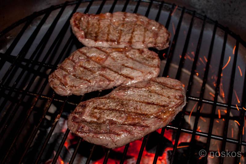 Warme Ribeye Steak Salade - Ribeyes op de grill