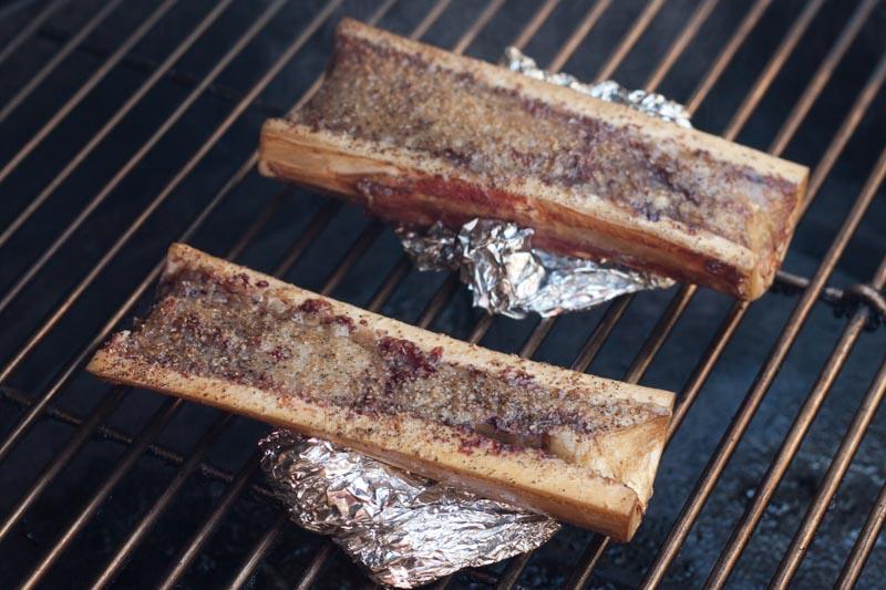 Mergpijpen van de BBQ