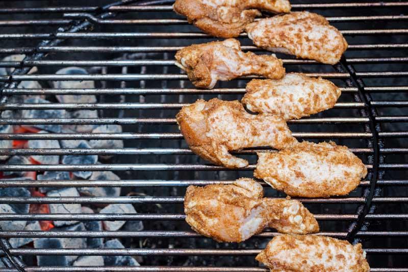 Barbecue aansteken, zo doe je dat snel en veilig BBQ NL