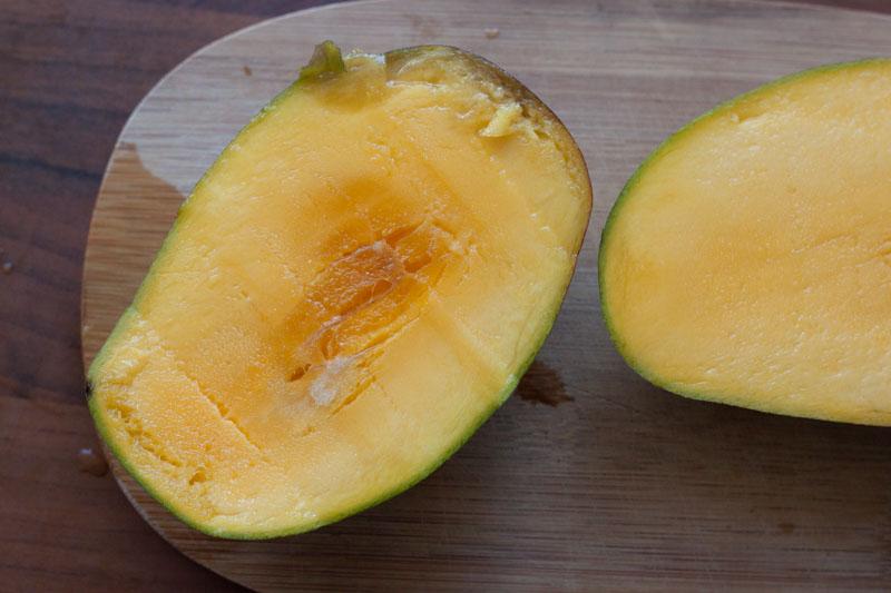 Jewel of Oaxaca - halve mango