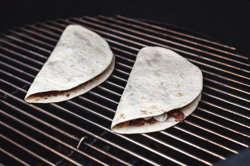 S'mores quesadillas op de barbecue
