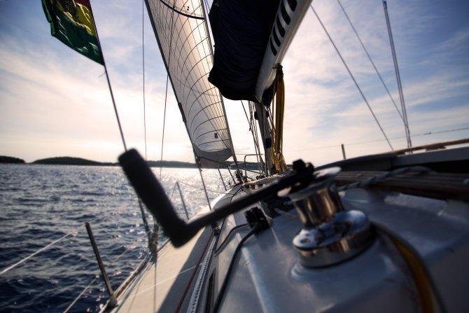 Segelschiff am Meer Blick auf den Bug