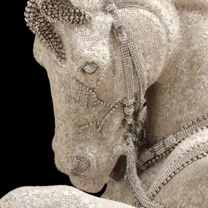 HORSE-100