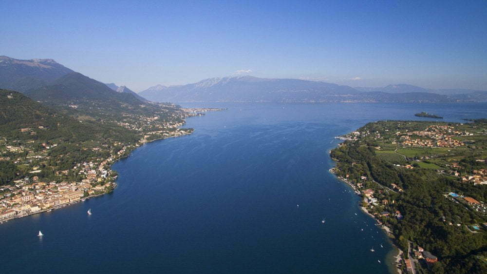 Vista panoramica del lago di Garda