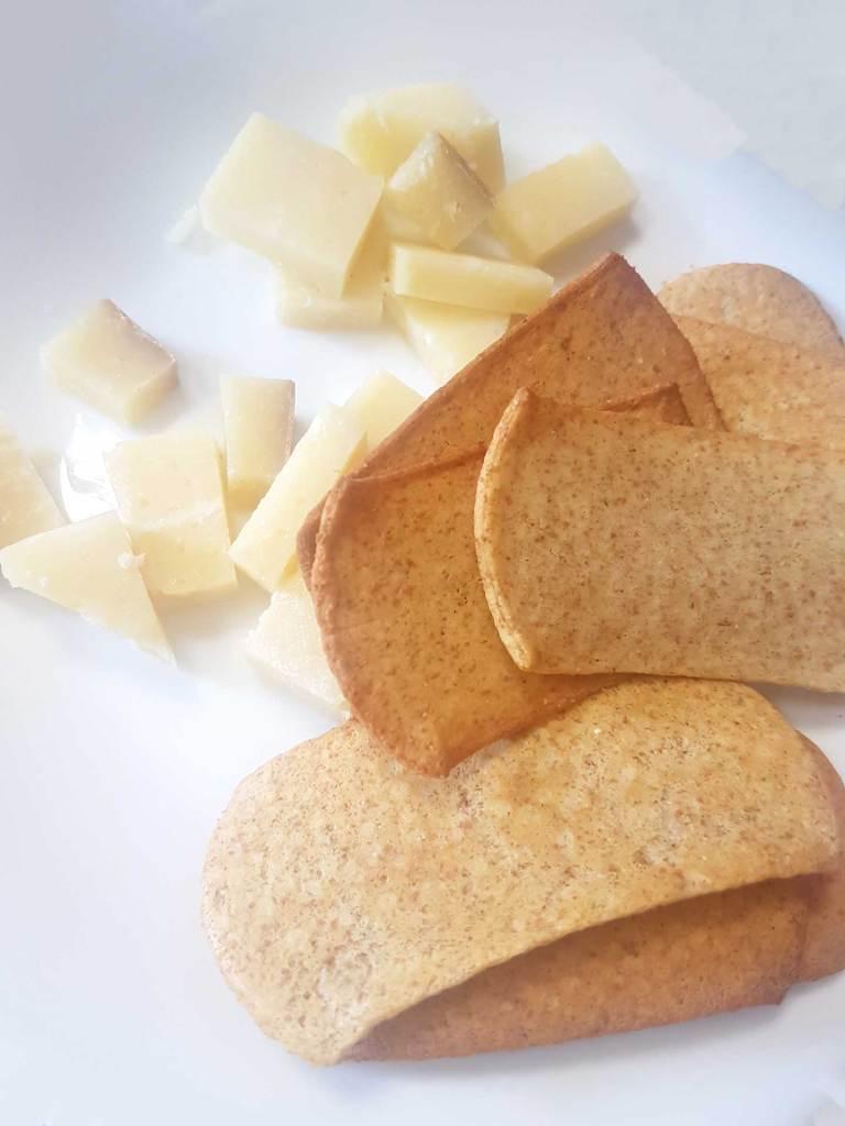 bbreak con cubetti di formaggio stagionato della Vallesabbia