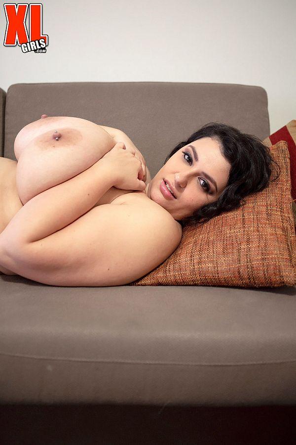 rose blush fat model