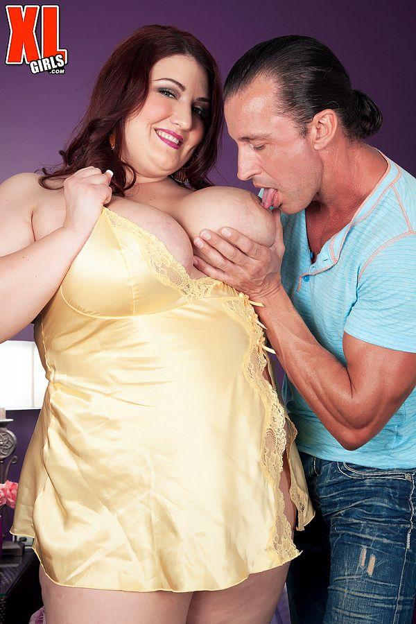Fat busty pornstar Kandi Kobain natural boobs images porn