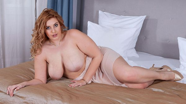 BBW Ellie Roe masturbation porn video XXX