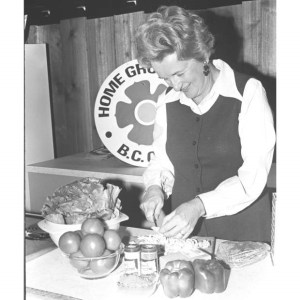 Mona Brun cooking demo at fair