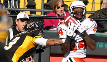 Emmanuel Arceneaux makes a TD catch. Photo Credit: BCLions.com