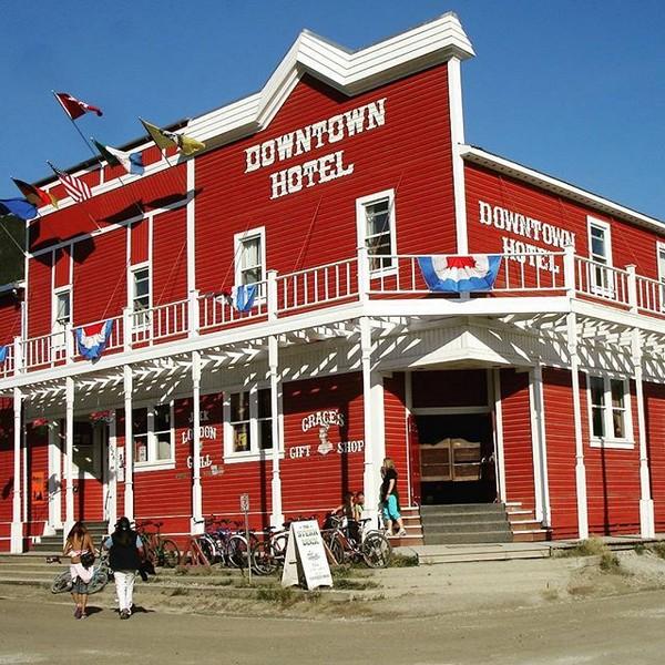 Una de las construcciones de los inicios de la ciudad de Dawson