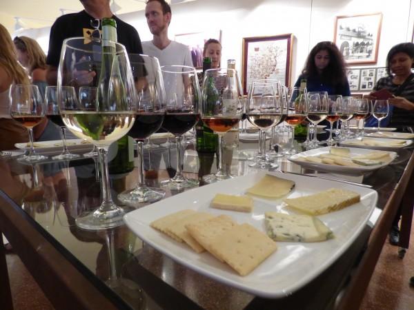 Degustación de quesos y vinos. Foto Cristina Rosa