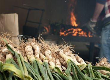 La tradición gastronómica de Cataluña: Calçotada