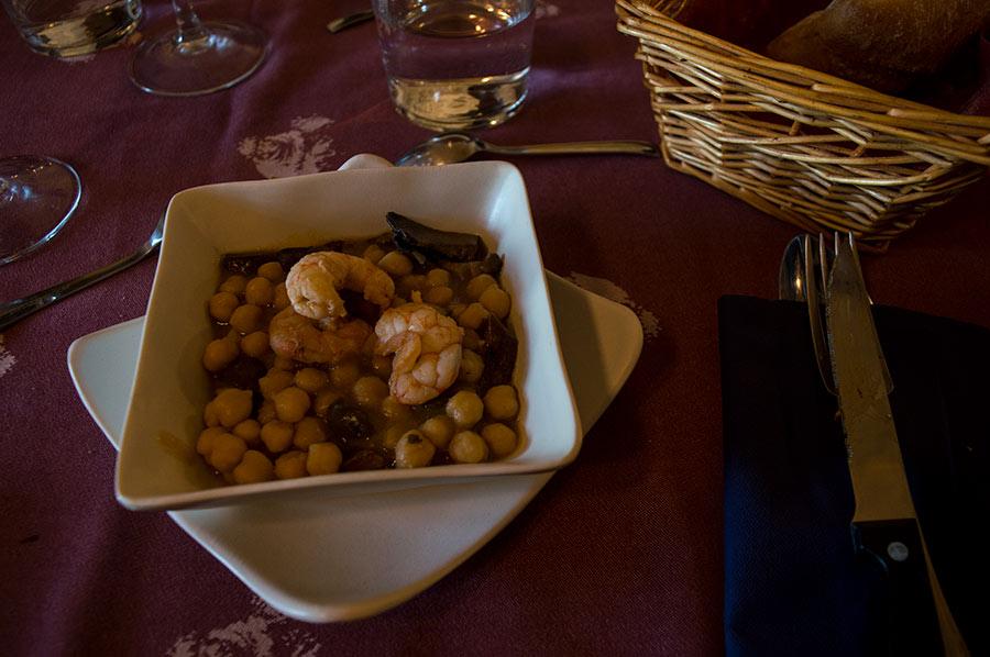 La casa rural de Cal Senyoret ofrece también comidas