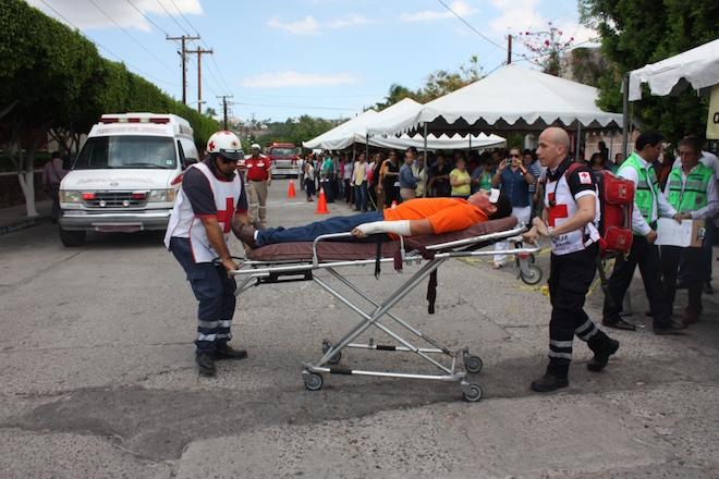 camilla paramedico simulacro imss