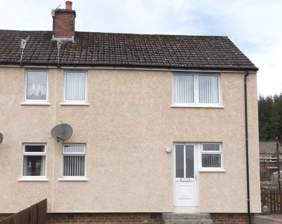 External Wall Insulation (EWI) by Saint-Gobain Weber has been specified for the thermal and aesthetic upgrade of Weir properties owned by East Ayrshire District Council.