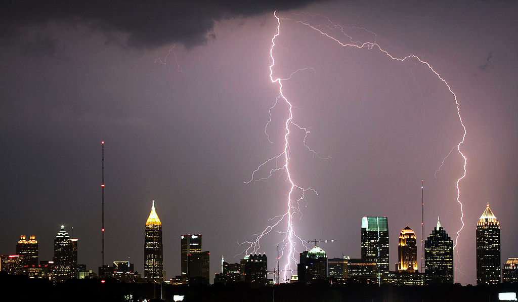 are metal roofs lightning magnets