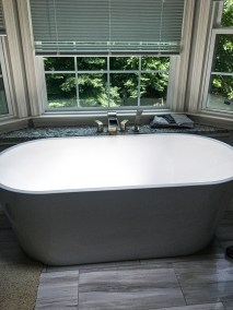 Charcoal-Cabinets-and-Gray-Master-Bath-June2019_Vertical_Master_0002_Layer 0