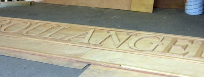 Fabrication Denseigne En Bois Sculpt BDR SAS