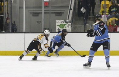 Buffalo Beauts Emily Pfalzer controls the puck