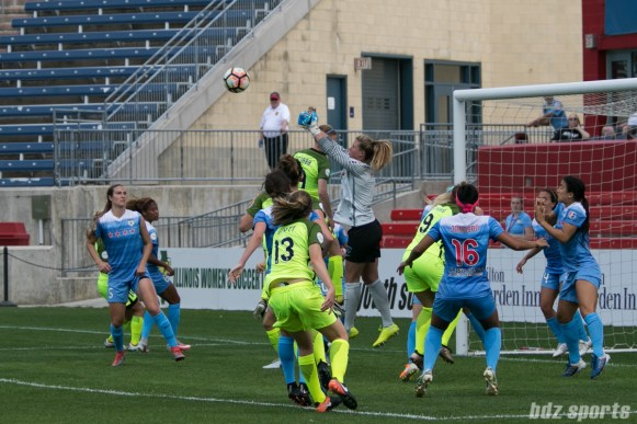 Chicago Red Stars goalkeeper Alyssa Naeher (1) punches the ball away on a corner kick.