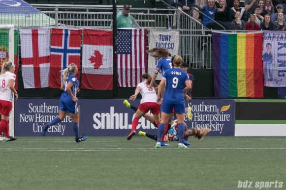Chicago Red Stars goalkeeper Alyssa Naeher (1) comes up with a loose ball in the box.
