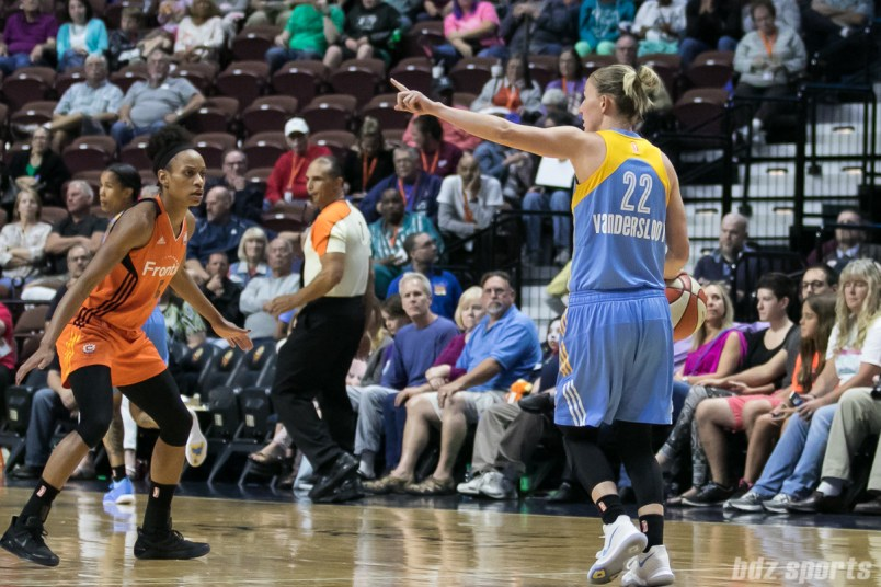 Chicago Sky guard Courtney Vandersloot (22) sets up the Sky offense.
