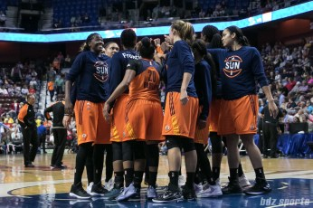 The Connecticut Sun huddle before the start of the quarter.