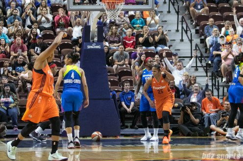 Connecticut Sun forward Alyssa Thomas (25) acknowledges teammate Connecticut Sun guard Alex Bentley (20) for the assist to her basket.