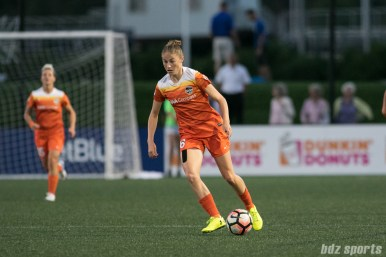 Houston Dash forward Janine Beckie (16)