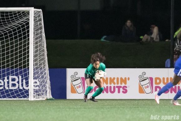 Boston Breakers goalkeeper Abby Smith (14)