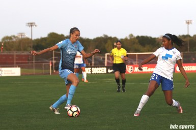 Sky Blue FC midfielder Sarah Killion (16) controls the ball