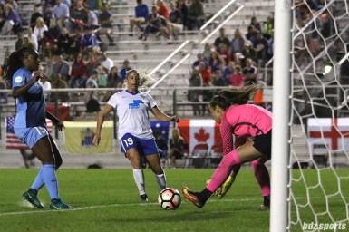 Sky Blue FC goalkeeper Kailen Sheridan (1) collects the ball in front of the net