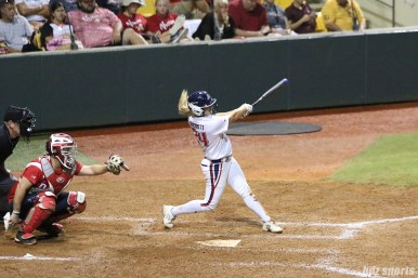 USSSA Pride outfielder Kirsti Merritt (24) at bat