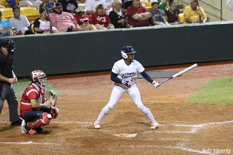 USSSA Pride pinch hitter Bianka Bell (27) at bat