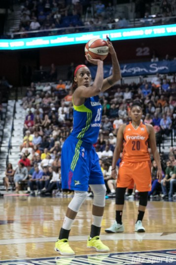 Dallas Wings forward Glory Johnson (25) takes a foul shot.
