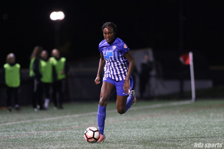 Boston Breakers forward Ifeoma Onumonu (22) carries the ball down the side line for the Breakers