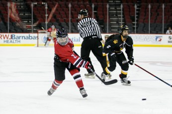 Metropolitan Riveters forward Erika Lawler (2) takes a shot on goal