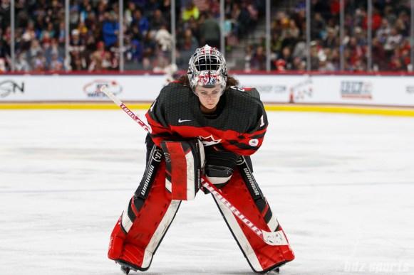 Team Canada goalie Shannon Szabados (1)