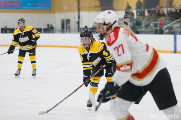 Boston Blades forward Elizabeth Aveson (4)