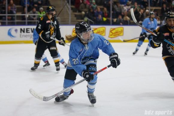 Buffalo Beauts forward Kristin Lewicki (27)