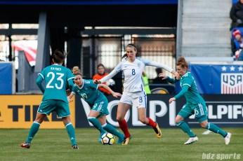 Team England midfielder Jill Scott (8)
