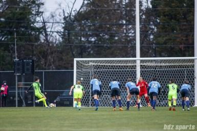 Seattle Reign FC forward Jodie Taylor (14) takes a penalty kick