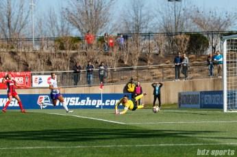 Orlando Pride goalkeeper Ashlyn Harris (24) looks on as the shot goes wide of the goal