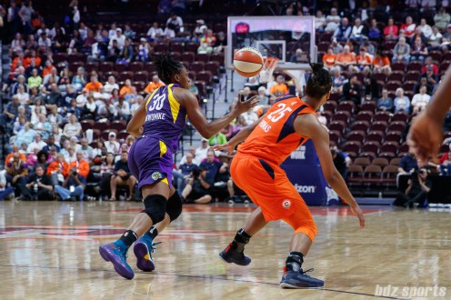 Los Angeles Sparks forward Nneka Ogwumike (30) and Connecticut Sun forward Alyssa Thomas (25)