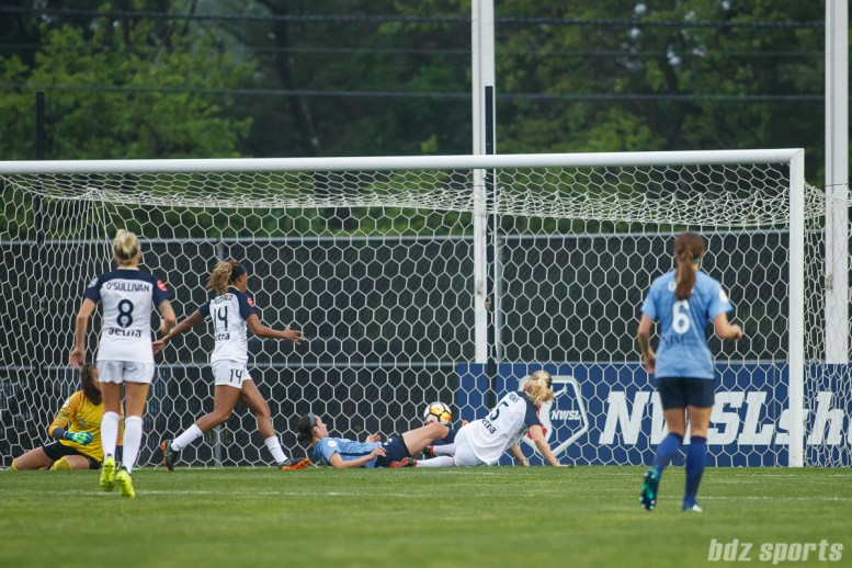North Carolina Courage midfielder Samantha Mewis (5) finds the back of the net